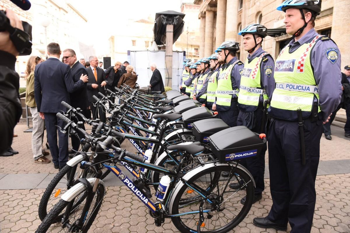 Pilot projekt policijske biciklisti¦Źke ophodnje