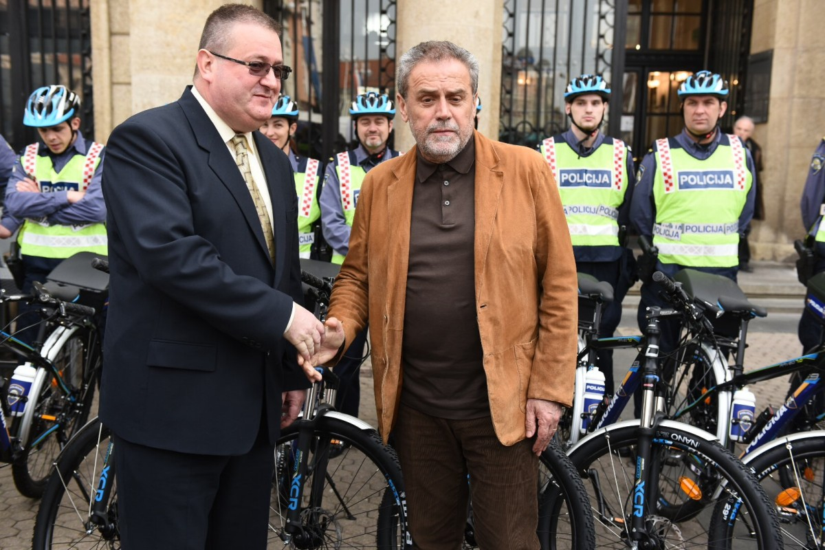 Primopredaja bicikala policijskim postajama