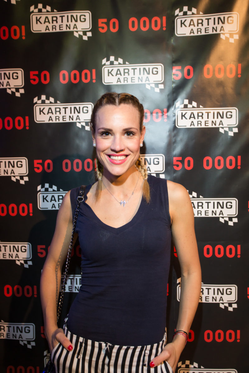 Voditeljica Ana Radišić prvi je put vozila na karting stazi
