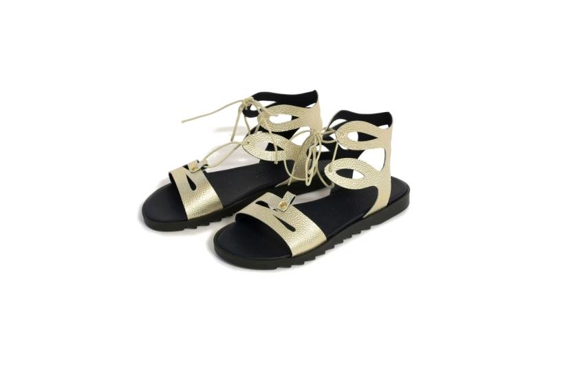 Guliver_gladijator sandale_zlatne na vezanje_pocetna cijena 620,00 kn_snizena 390,00 kn