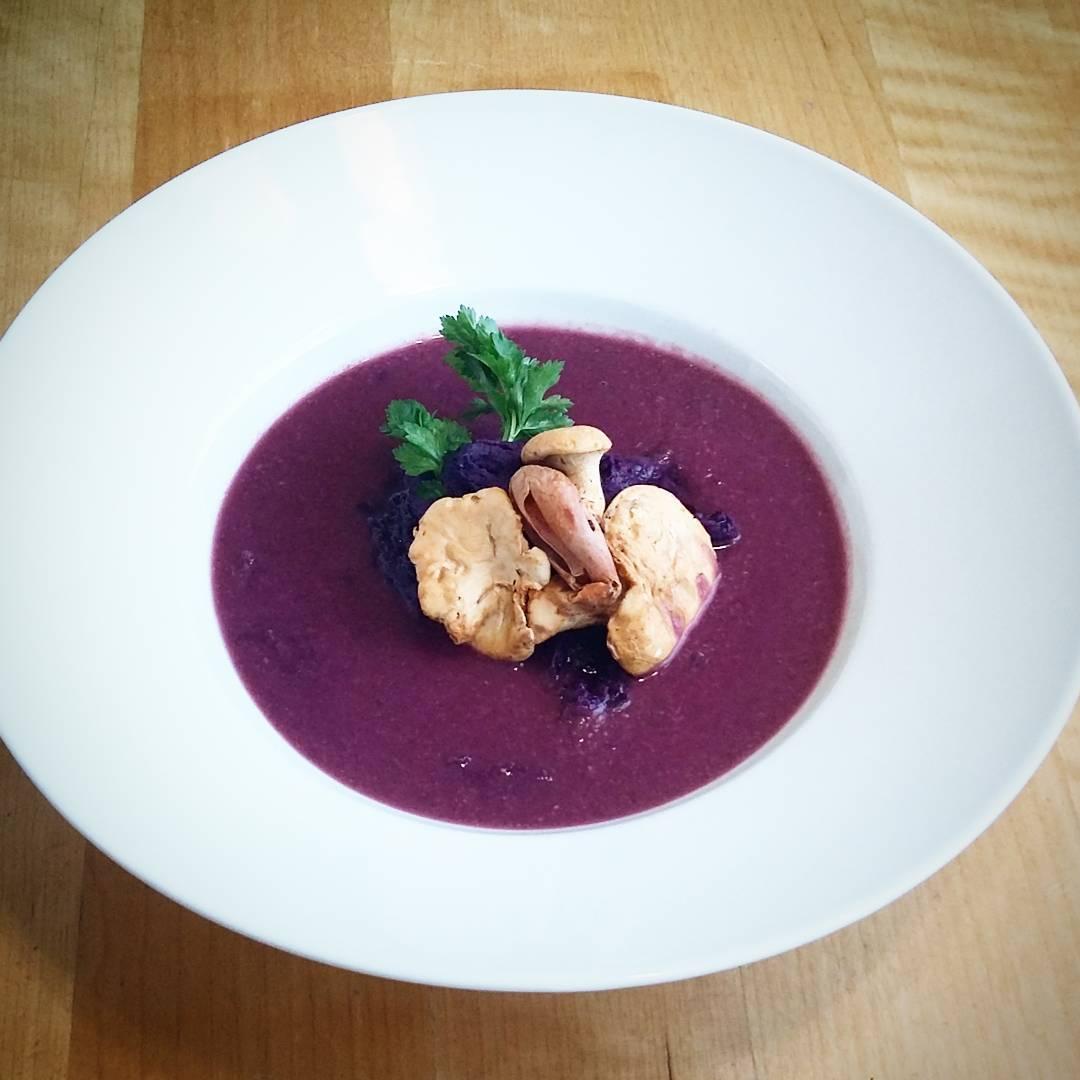 juha-od-zapecenih-ljubicastih-batata-gljiva