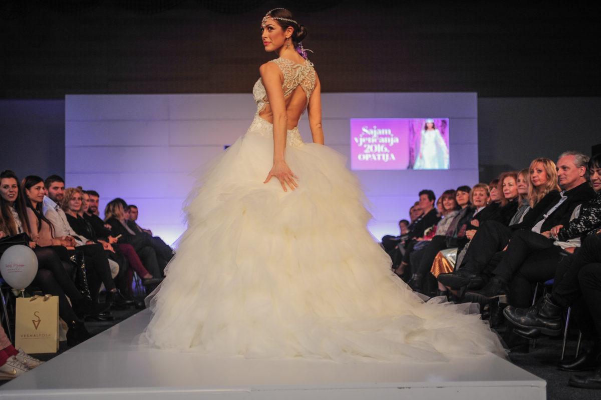ljepotu-vedrane-linardic-jos-je-vise-istaknula-vjencana-haljina-vesna-sposa