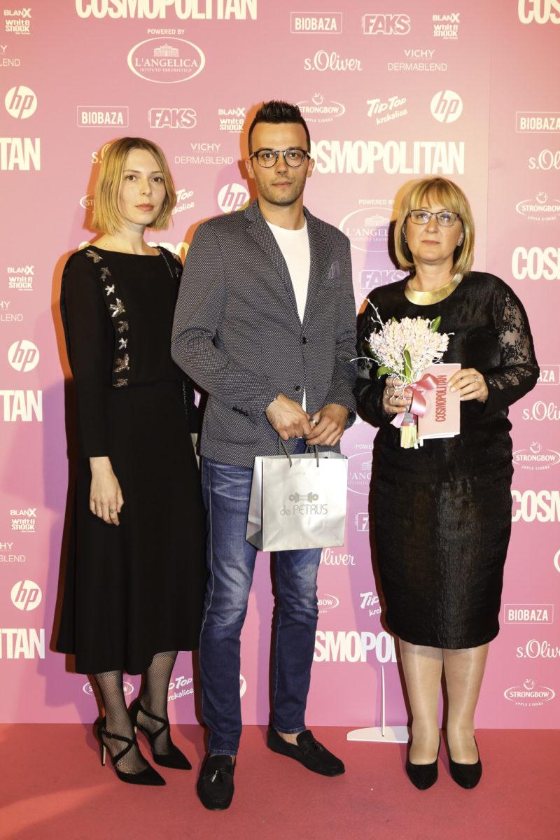 Hrvoje Ratkić primio je nagradu u ime Sandre Perković, COSMO sportašice powered by FAKS HELIZIM i SAPONIA