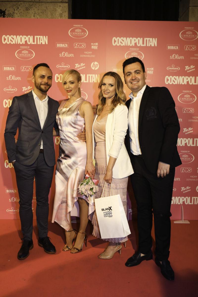 Jelena Rozga, dobitnica nagrade COSMO slavna cura powered by BLANX, Tea Jukić iz tvrtke Aurora, i modni dvojac ELFS