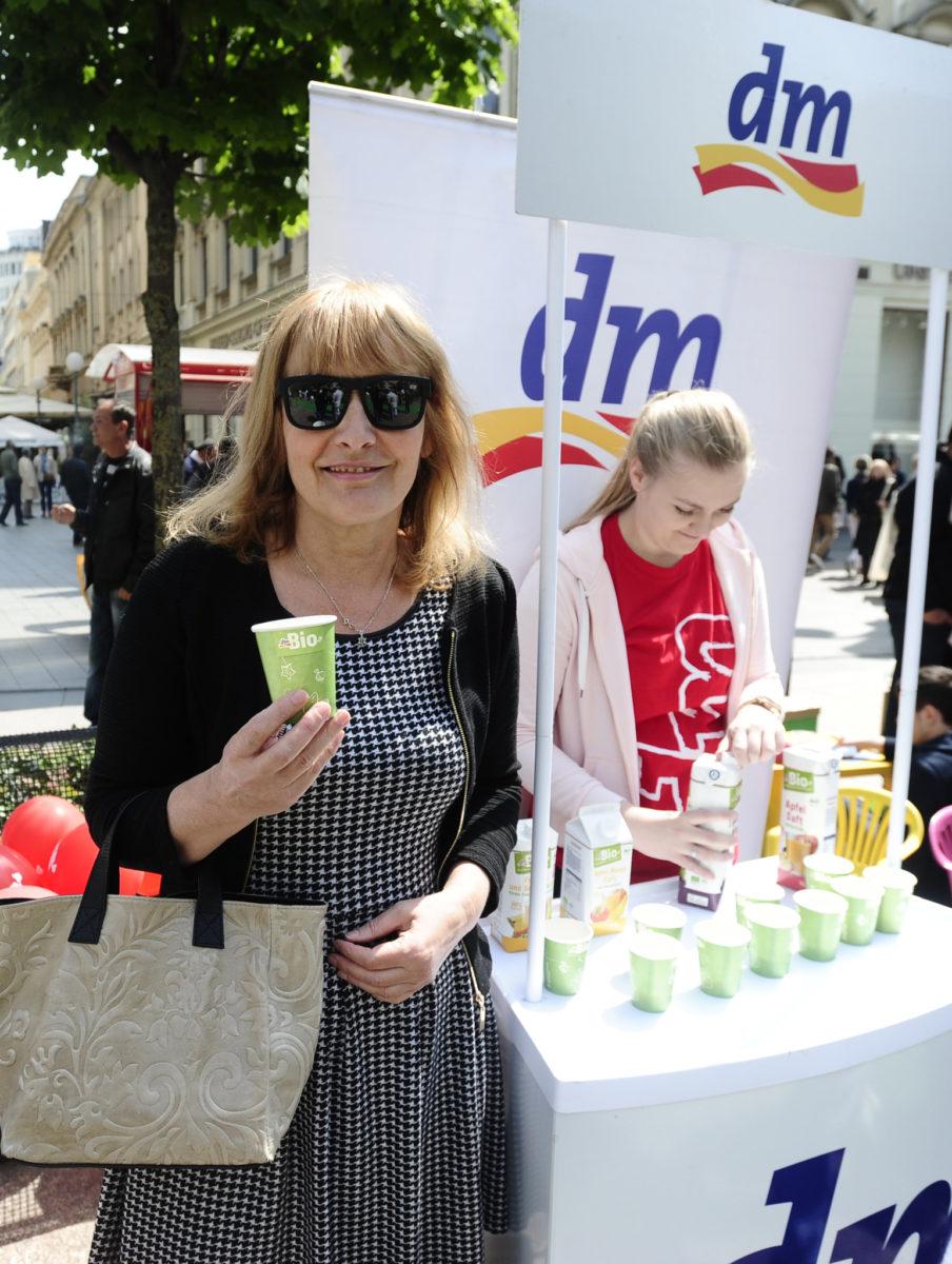 Književnica Sanja Pilić isprobala je fine dmBIO sokove