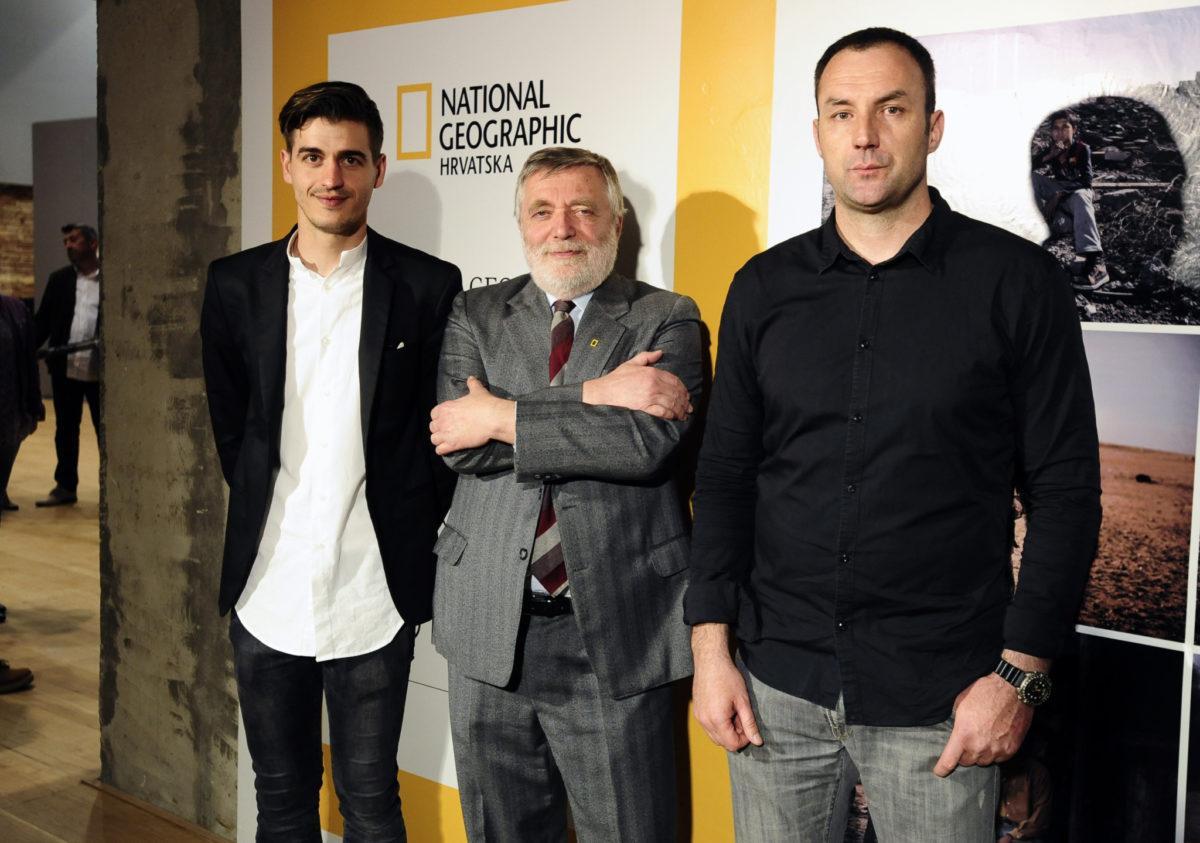 Kustos u Laubi Mario Guček Andromak, glavni urednik National Geographica Hrvatska Hrvoje Prćić i fotograf Zoran Marinović