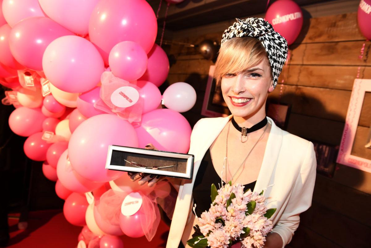 Narukvica zlatarne De Petrus kao uspomena na titulu Cosmo poduzetnica 2017.