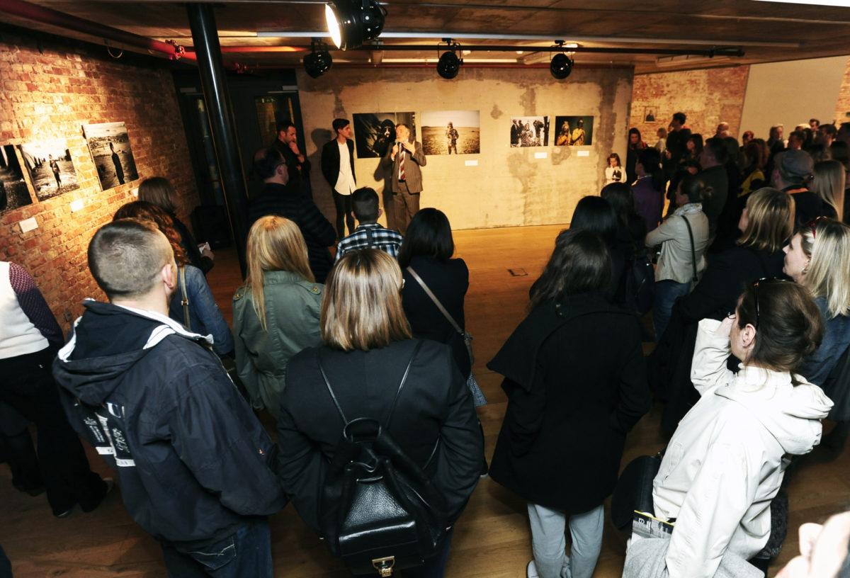 Otvorenje izložbe Minuta šutnje koja je nastala kao plod suradnje National Geographica Hrvatska, fotografa Zorana Marinovića i Laube-kuće za ljude i umjetnost